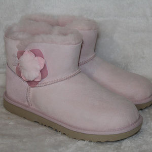 UGG MINI BAILEY CACTUS FLOWER SUEDE BOOTS PINK NEW